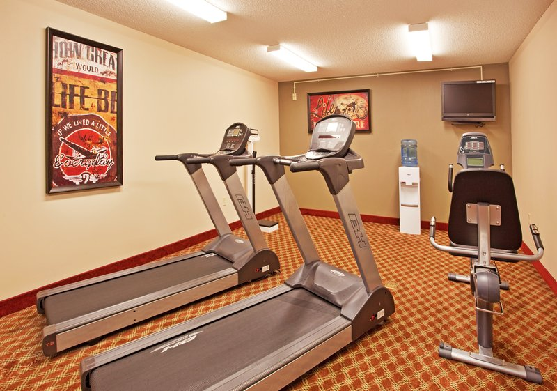 Holiday Inn Toledo-Maumee (I-80/90)-Fitness Center at Holiday Inn Maume or free access to Urban Active<br/>Image from Leonardo