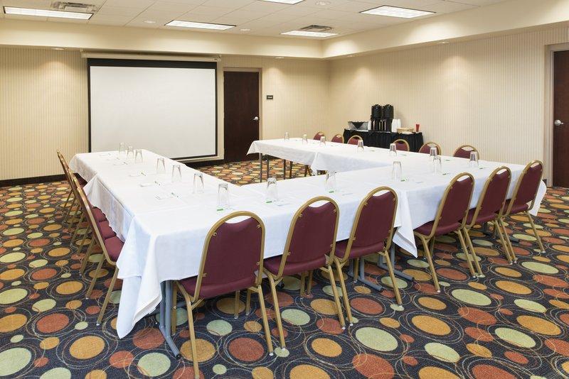 Holiday Inn Toledo-Maumee (I-80/90)-Meeting Room<br/>Image from Leonardo