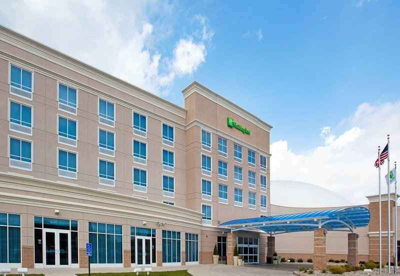 Holiday Inn Toledo-Maumee (I-80/90)-A covered entry welcomes you to our Holiday Inn in Maumee OH<br/>Image from Leonardo