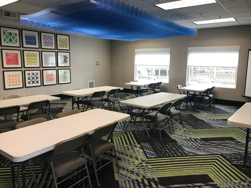 Holiday Inn Express & Suites Seaside - Convention Center-Meeting Room<br/>Image from Leonardo