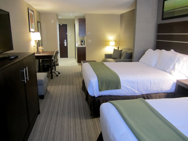 Holiday Inn Express Golden-Kicking Horse-Double Queen Suite<br/>Image from Leonardo