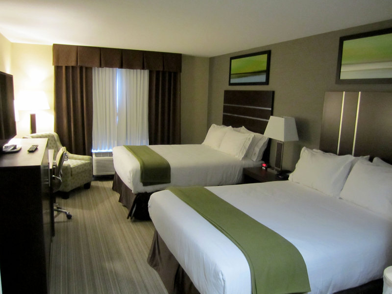 Holiday Inn Express Golden-Kicking Horse-Queen Bed Guest Room<br/>Image from Leonardo
