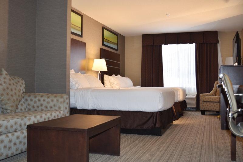 Holiday Inn Express Golden-Kicking Horse-Suite<br/>Image from Leonardo