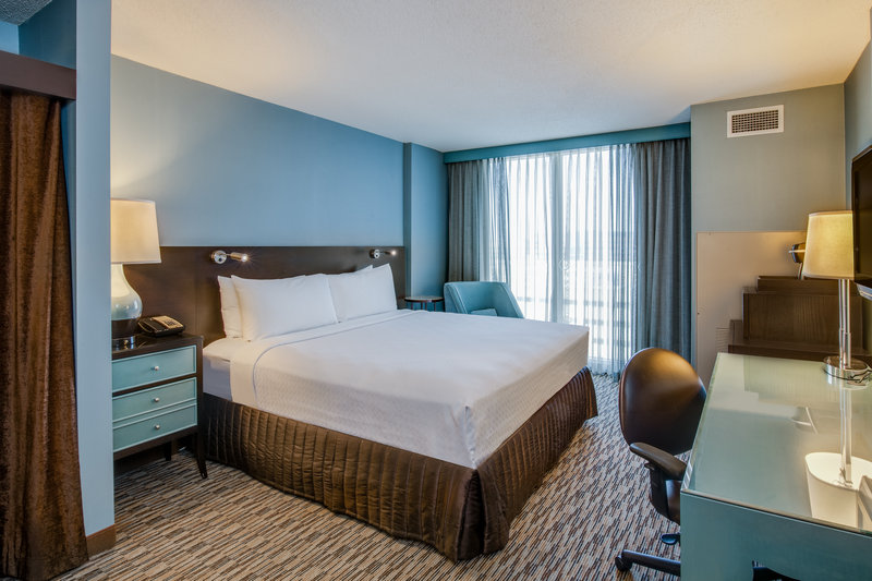 Crowne Plaza Chicago Ohare Hotel & Conference Center-King Bed Guest Room<br/>Image from Leonardo