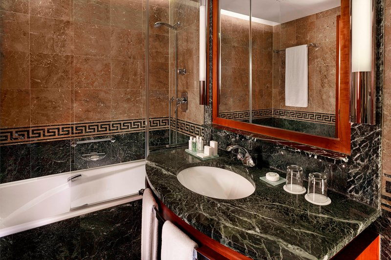 Hotel President Wilson; a Luxury Collection Hotel-Guest Bathroom – Shower/Tub<br/>Image from Leonardo