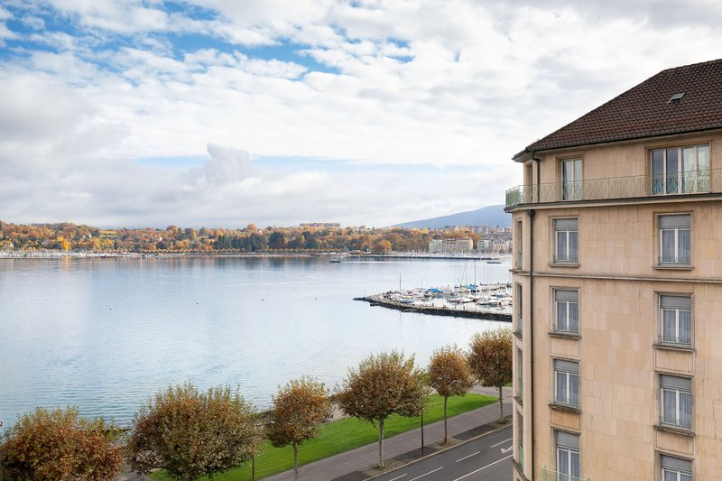 Hotel President Wilson; a Luxury Collection Hotel-Premium Guest Room - Partial Lake View<br/>Image from Leonardo