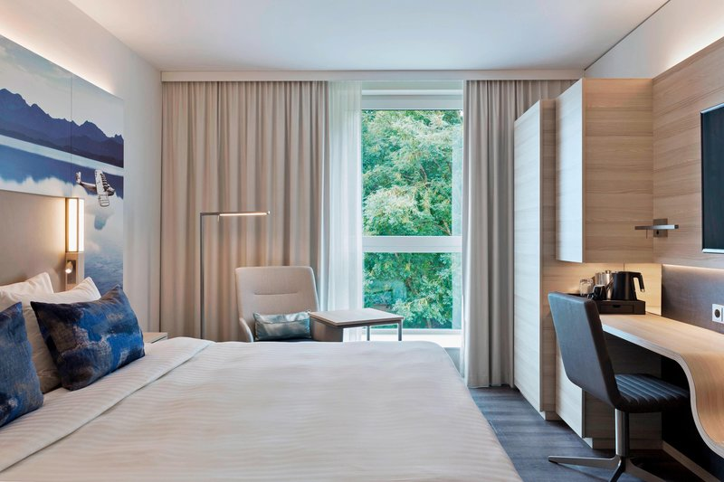 Courtyard Oberpfaffenhofen Munich South-Standard Deluxe Guest Room<br/>Image from Leonardo