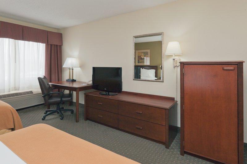 Holiday Inn Express Evansville - West-Guest Room<br/>Image from Leonardo