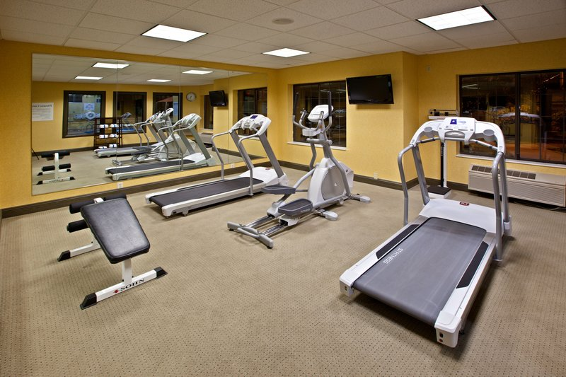 Holiday Inn Express & Suites Indianapolis - East-Fitness Center<br/>Image from Leonardo