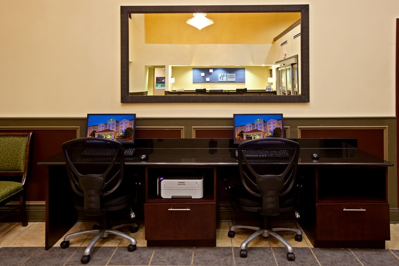 Holiday Inn Express & Suites Indianapolis - East-Business Center<br/>Image from Leonardo