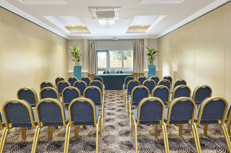 Holiday Inn Cardiff - North M4, Jct.32-Conference Room<br/>Image from Leonardo