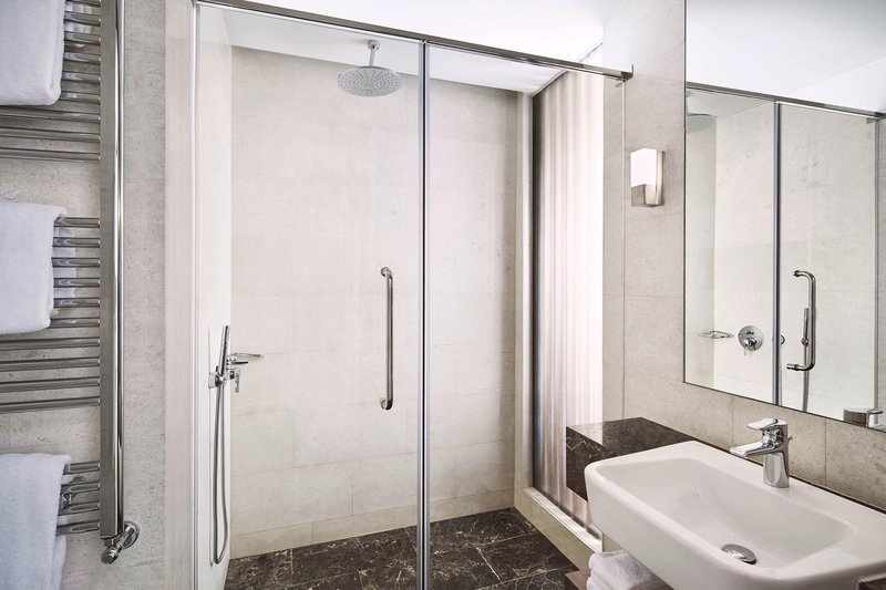 Metropol Palace Belgrade; a Luxury Collection Hotel-Classic Guest Bathroom<br/>Image from Leonardo