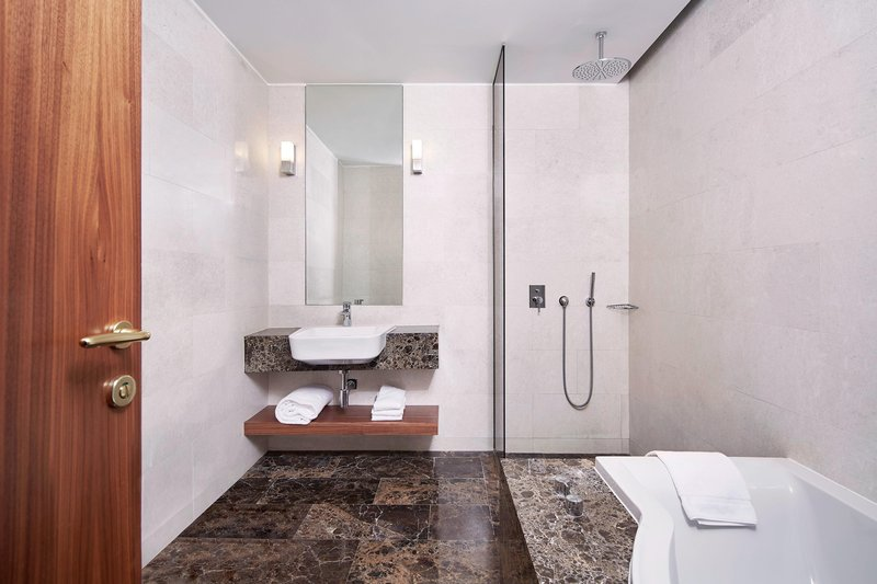 Metropol Palace Belgrade; a Luxury Collection Hotel-Park Suite Bathroom<br/>Image from Leonardo