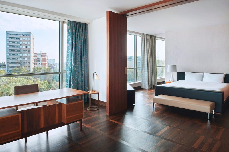 Metropol Palace Belgrade; a Luxury Collection Hotel-King Belgrade Suite<br/>Image from Leonardo