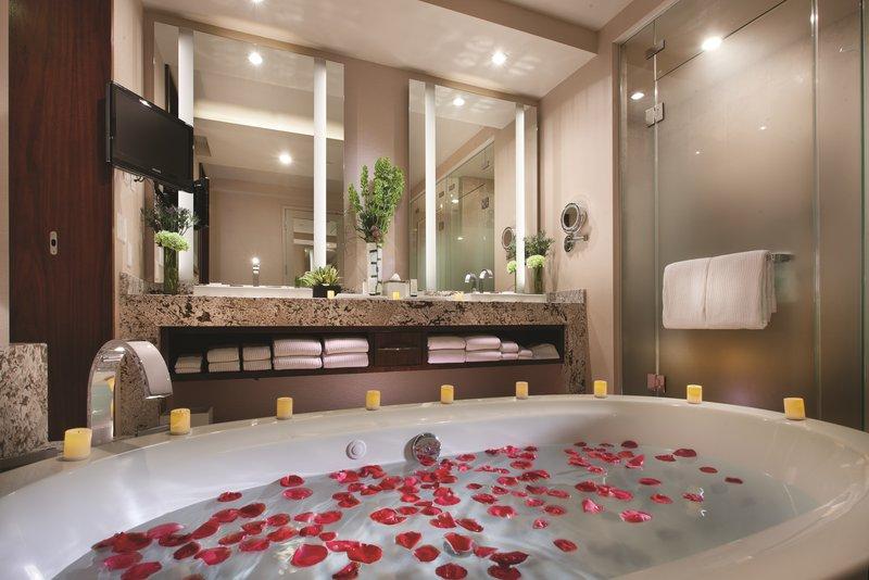 Aria Resort and Casino-One Bedroom Penthouse Bathroom<br/>Image from Leonardo