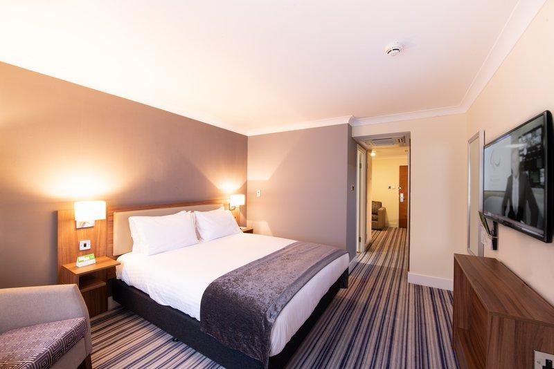 Holiday Inn Cardiff - North M4, Jct.32-Executive Room<br/>Image from Leonardo