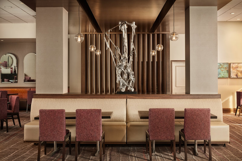 Crowne Plaza Dallas Market Center-On-site Bristol Bar & Grill is the perfect setting for any meal.<br/>Image from Leonardo