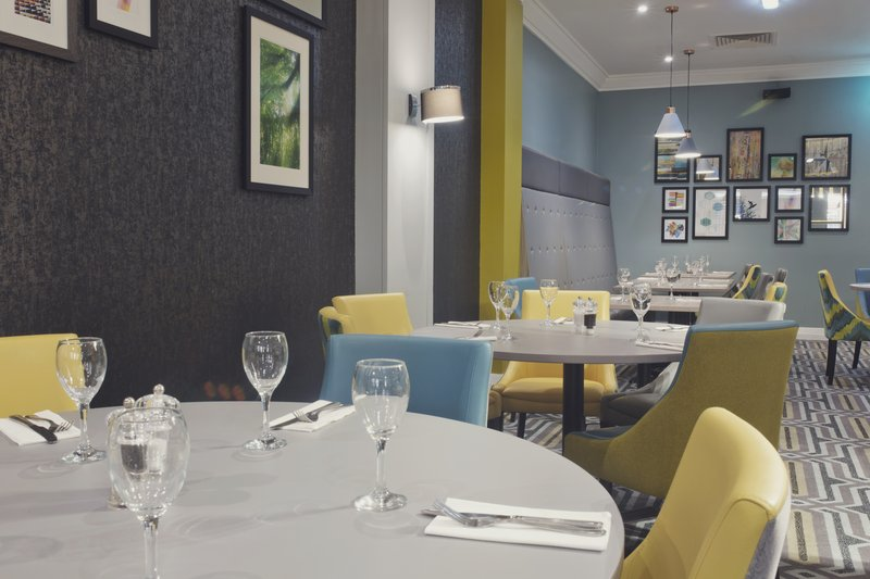 Holiday Inn Newcastle-Jesmond-Plenty of pictures to look at while you are eating!<br/>Image from Leonardo