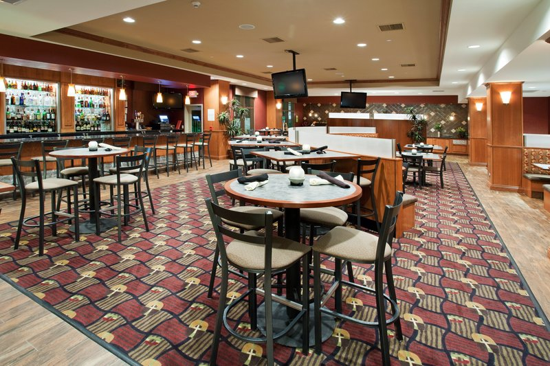 Holiday Inn Hotel & Suites Grand Junction-Airport-Relax after a long day at the Grand Valley Grill<br/>Image from Leonardo