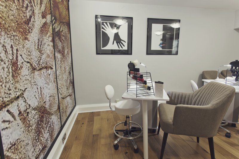 Holiday Inn Newcastle-Jesmond-Nail bar<br/>Image from Leonardo