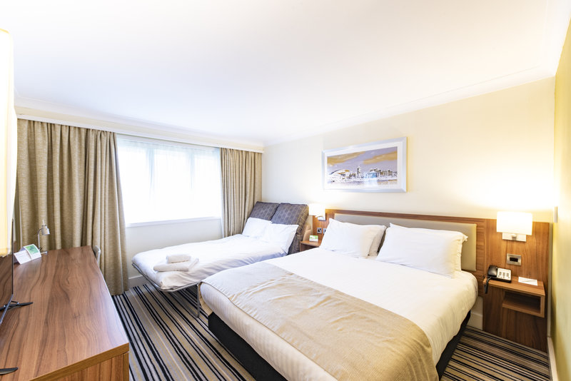 Holiday Inn Cardiff - North M4, Jct.32-Standard Family Double with sofa bed <br/>Image from Leonardo