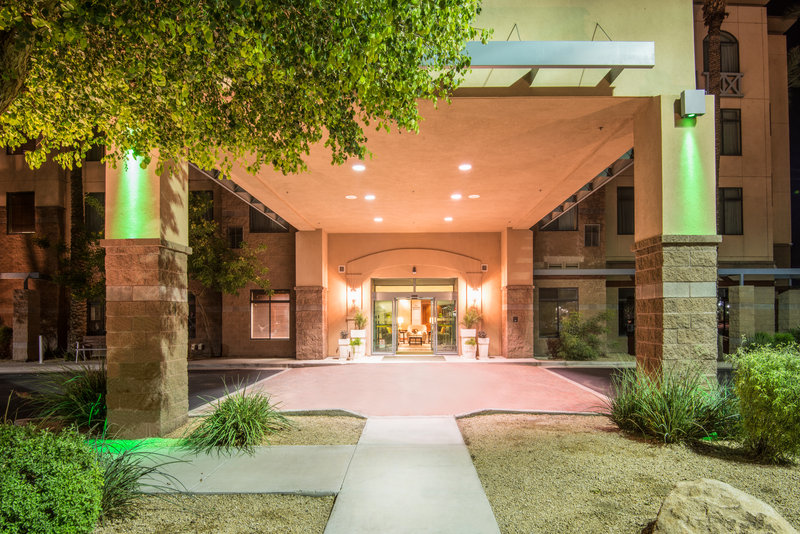 Holiday Inn Express Phoenix-I-10 West/Goodyear-Our welcoming hotel entrance<br/>Image from Leonardo