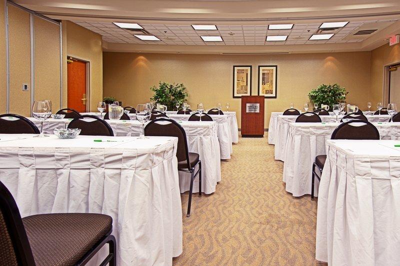 Holiday Inn Express Phoenix-I-10 West/Goodyear-Meeting Room<br/>Image from Leonardo