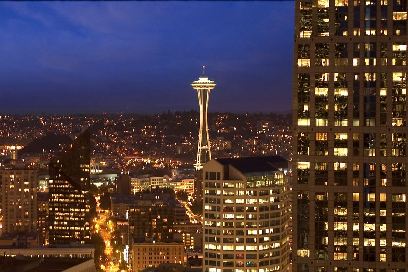Crowne Plaza Seattle-Downtown-View of the Space Needle taken from hotel 'view' room.<br/>Image from Leonardo