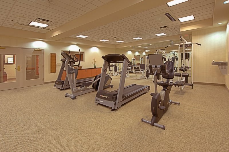 Holiday Inn Express Phoenix-I-10 West/Goodyear-Fitness Center<br/>Image from Leonardo