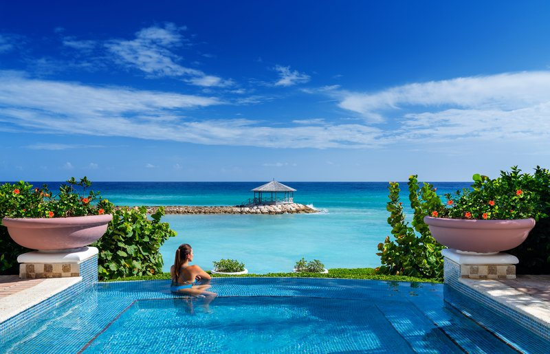 Jewel Grande Montego Bay Resort & Spa  - Infinity Pool <br/>Image from Leonardo
