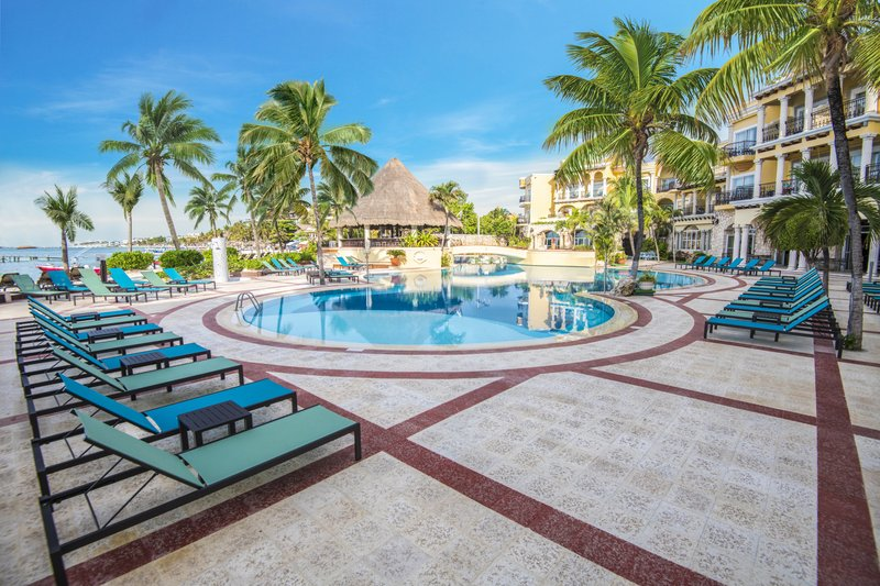 Panama Jack Resorts Playa del Carmen - Main Pool <br/>Image from Leonardo