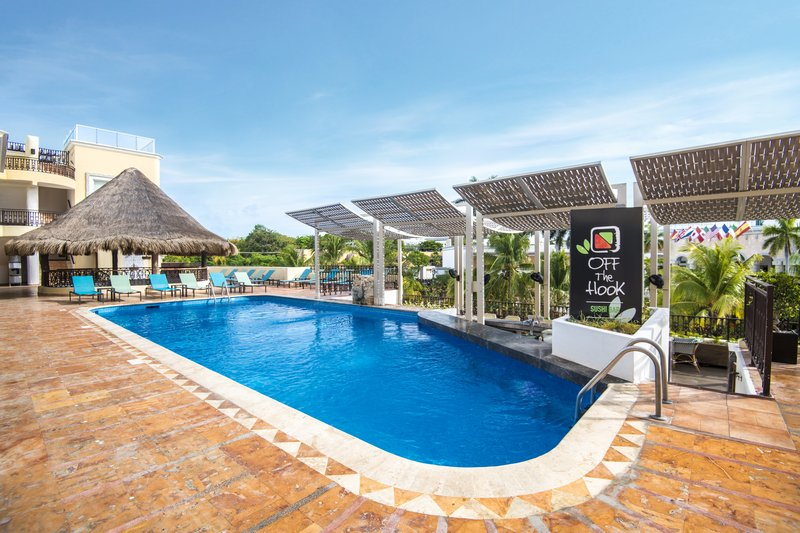Panama Jack Resorts Playa del Carmen - Off The Hook Pool <br/>Image from Leonardo
