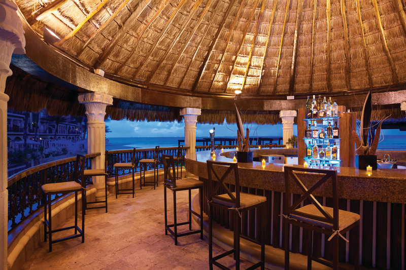 Panama Jack Resorts Playa del Carmen - Deck 74 Bar <br/>Image from Leonardo