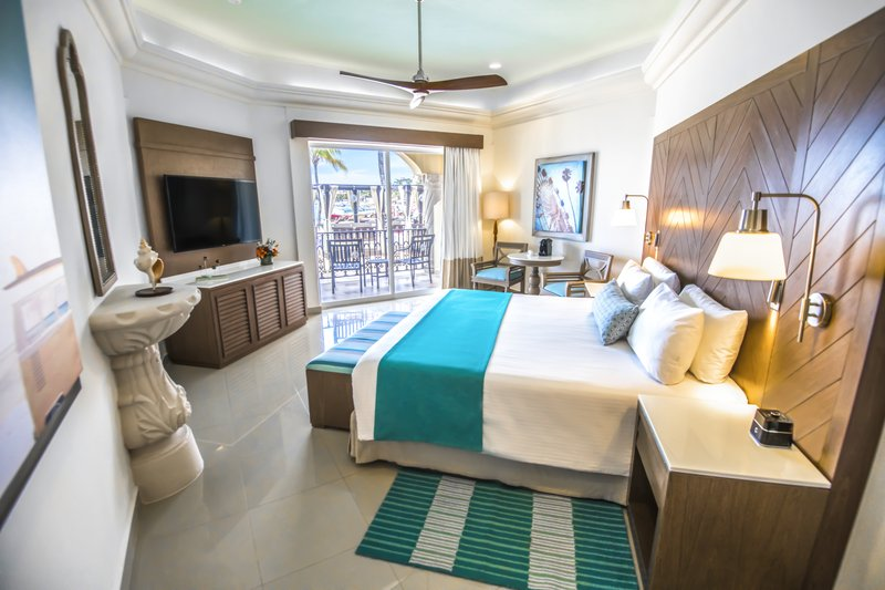 Panama Jack Resorts Playa del Carmen - Junior Suite Beachfront Walk Out <br/>Image from Leonardo
