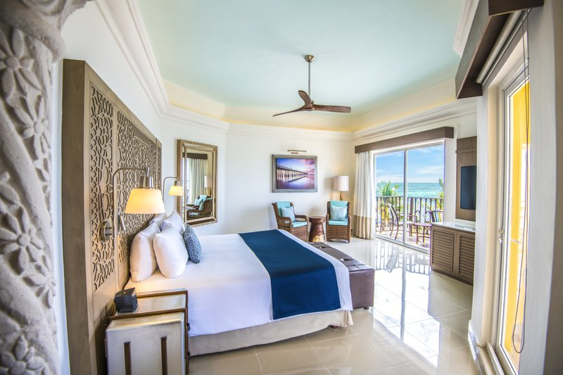 Panama Jack Resorts Playa del Carmen - Master One Bedroom Premium Suite Oceanfront Bedroom <br/>Image from Leonardo