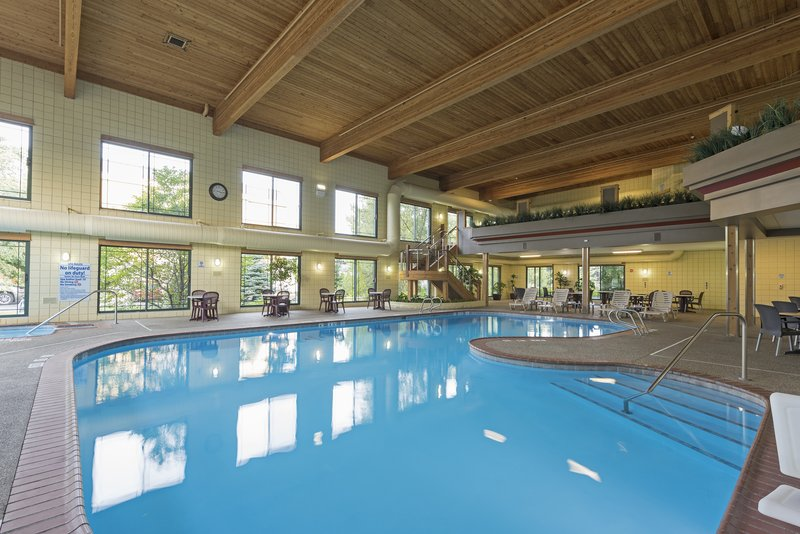 Holiday Inn Express Holland-Swimming Pool<br/>Image from Leonardo