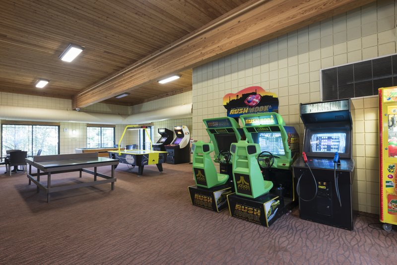 Holiday Inn Express Holland-Game Room<br/>Image from Leonardo
