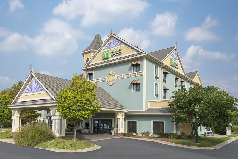 Holiday Inn Express Holland-Hotel Exterior<br/>Image from Leonardo