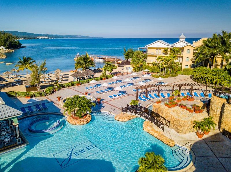 Jewel Paradise Cove Adult Beach Resort  - Pool <br/>Image from Leonardo