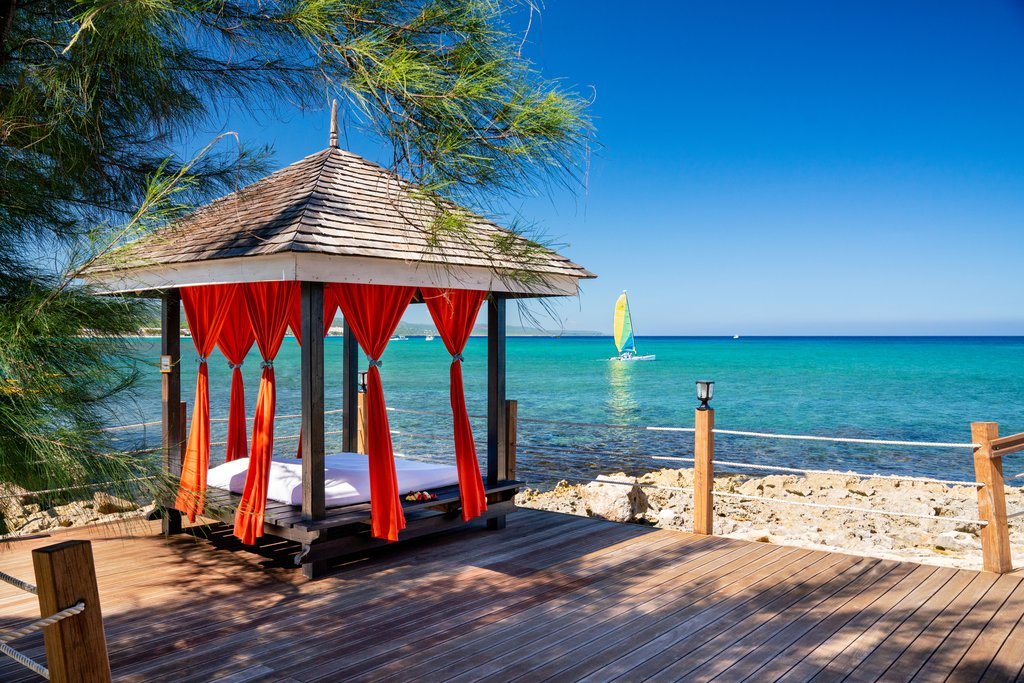 Jewel Paradise Cove Adult Beach Resort -Cabana<br/>Image from Leonardo
