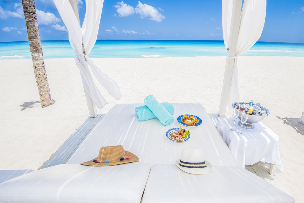 Panama Jack Resorts Cancun - Beach Cabana <br/>Image from Leonardo