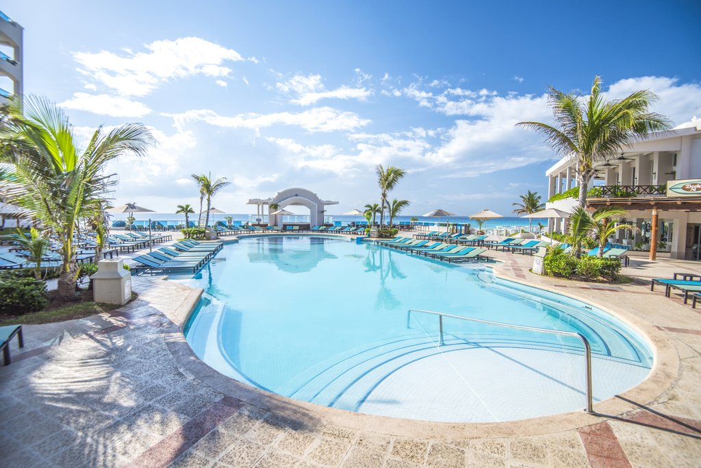 Panama Jack Resorts Cancun - Main Pool <br/>Image from Leonardo