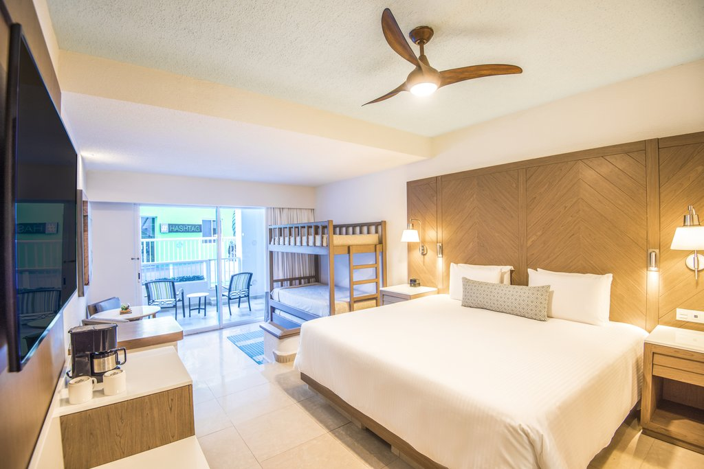 Panama Jack Resorts Cancun - Family Junior Suite <br/>Image from Leonardo