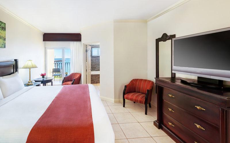 Jewel Paradise Cove Adult Beach Resort  - Oceanfront Concierge King <br/>Image from Leonardo