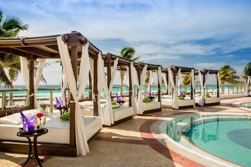 Hyatt Zilara Cancun - Foam Party Cabanas Ocean <br/>Image from Leonardo