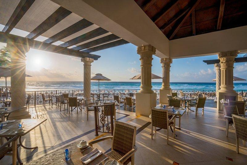 Hyatt Zilara Cancun - Pelicanos Restaurant Outdoor Seating <br/>Image from Leonardo