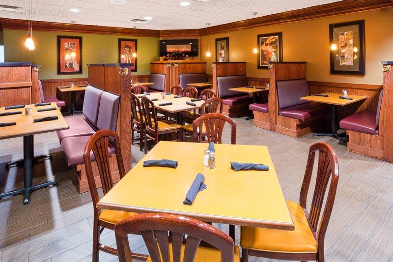 Holiday Inn Fairmont-Family Dining<br/>Image from Leonardo