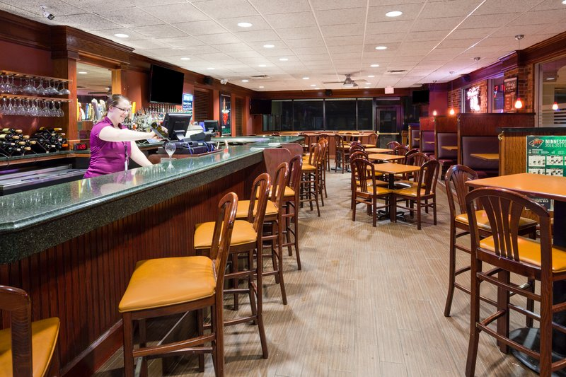 Holiday Inn Fairmont-Bar and Lounge<br/>Image from Leonardo