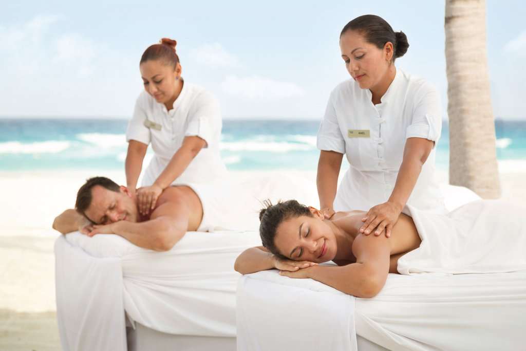 Panama Jack Resorts Cancun - Couples's Beach Massage <br/>Image from Leonardo