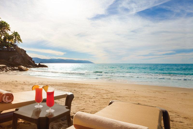 Hyatt Ziva Puerto Vallarta - Beach Drinks <br/>Image from Leonardo